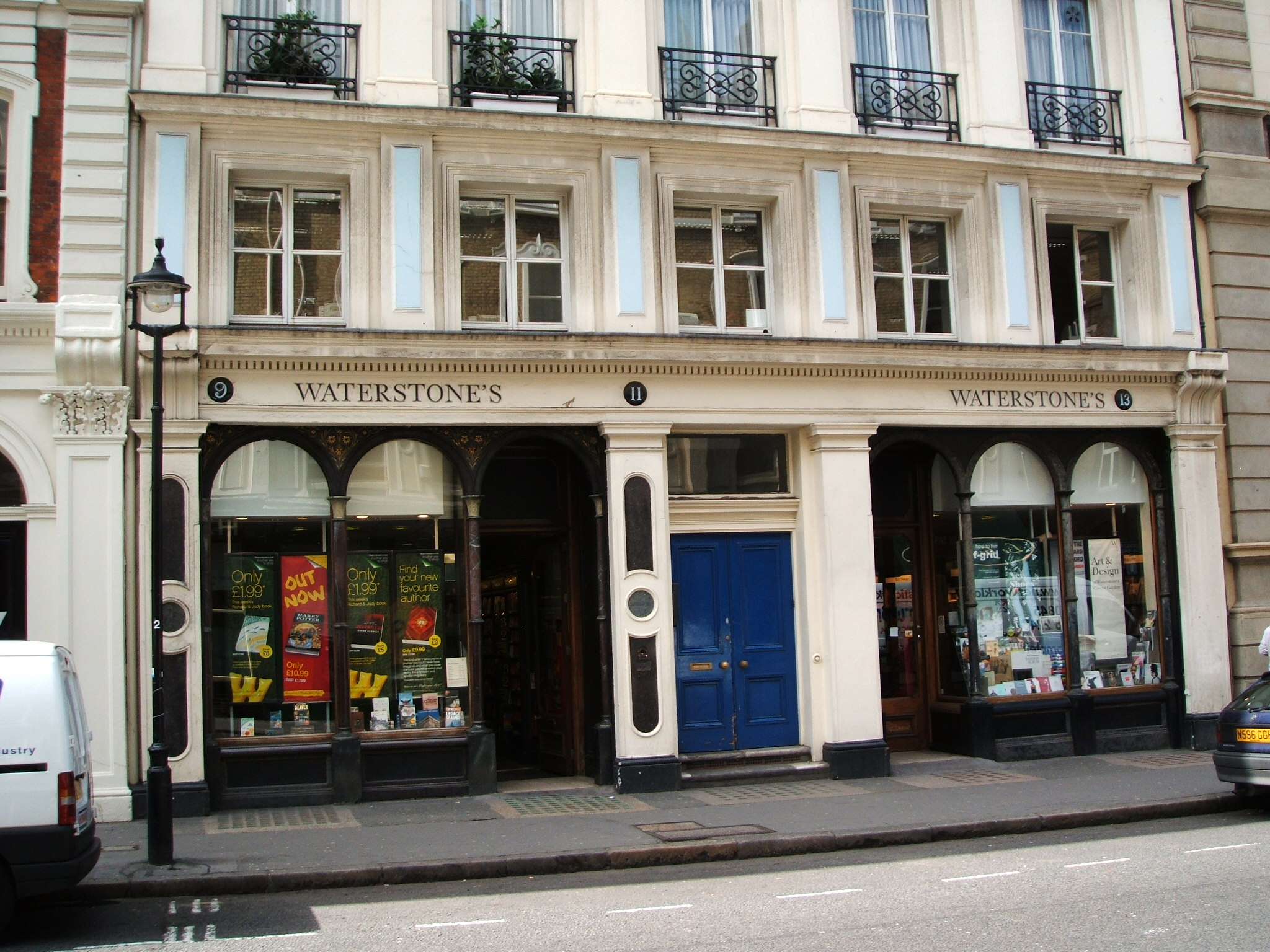"""Waterstone""""s London"""