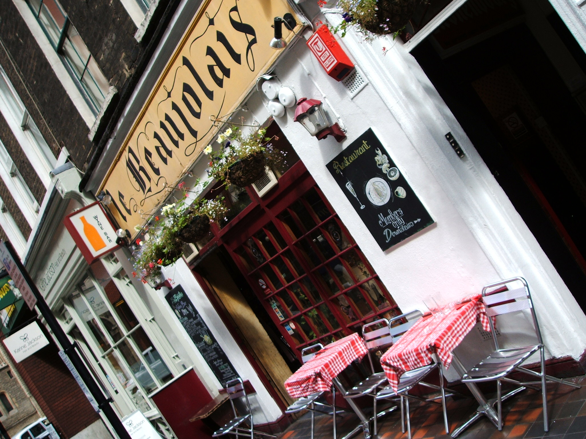 Le beaujolais london reviews bars in london - Le petit jardin covent garden metz ...