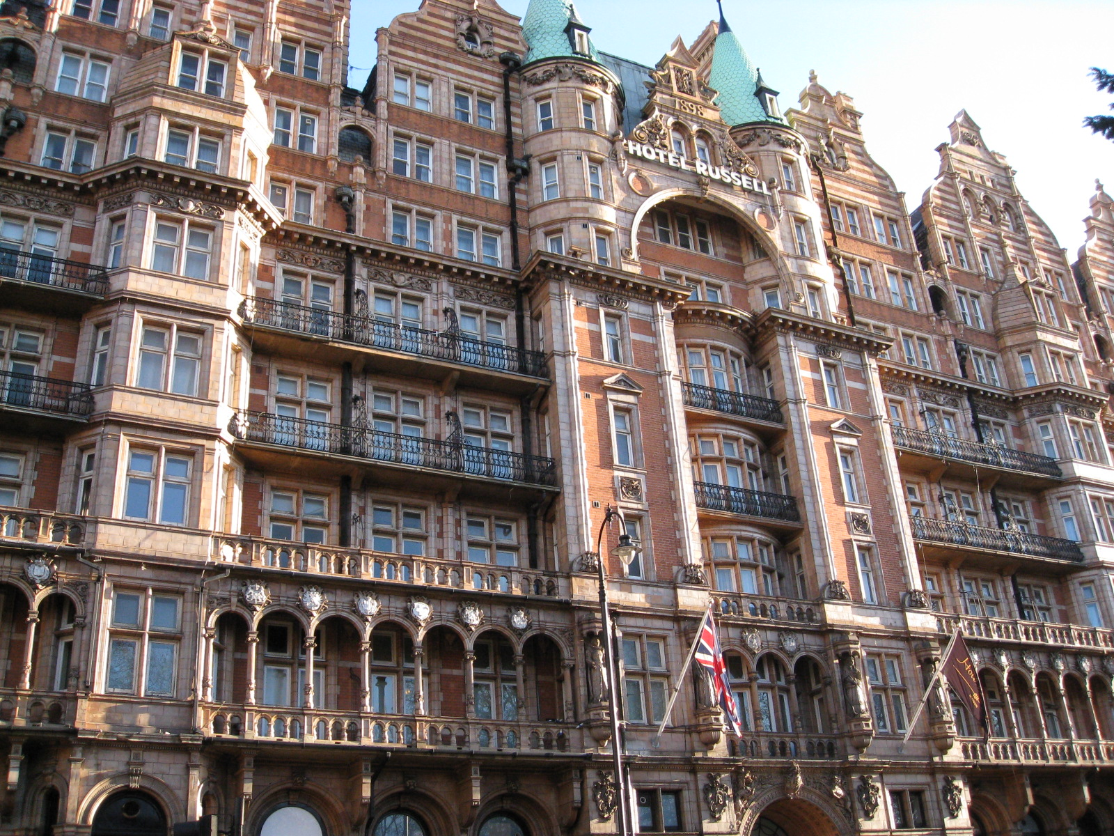 Hotel russell london 4 stars hotels in london for Hotels ussel