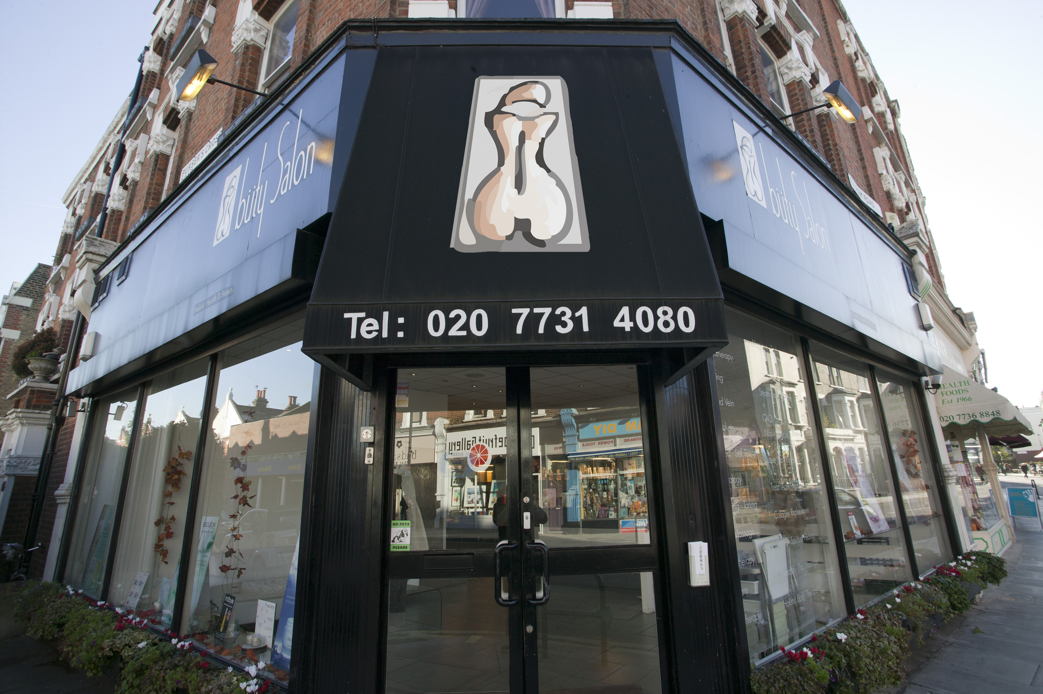 Buty Salon London