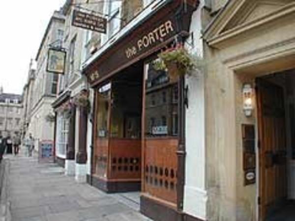 The Porter Pub Bath